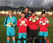 Alan Kelly Preston presents CSL keepers with gloves - nice one Alan!