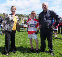Adrigole Under 12 Captain accepts John L Cup