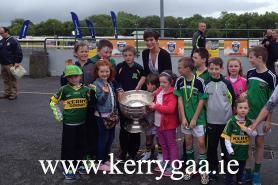 Rose of Tralee Maria Walsh with fans
