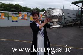 The Rose of Tralee lifts the Sam Maguire!
