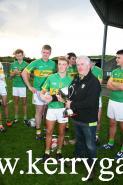 Gerard McCarthy, Oifigeach Iomána Coiste Chontae Chiarraí C.L.G. Presenting U21 Cup to Lixnaw captain Jason Wallace