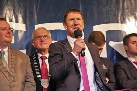 Jack O'Connor addresses hugh crowd in Tralee