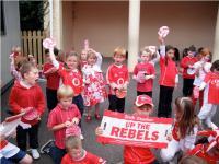 Infants at S.N. Chobh Chionn tSaile support Cork!