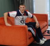 Eoin Cadogan relaxes at Press Evening.
