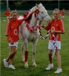 They're HORSE from cheering in Burnfort!