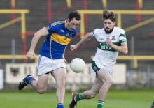Conor Meredith on the attack for O'Dempsey's against Conor Boyle, Portlaoise. Alf Harvey/hrphoto.ie
