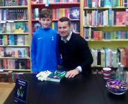 Craughwell United U12 keeper Cormac McFadden met Irish legend Shay Given in Dubray Books last Saturday morning.