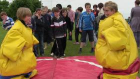 Sumo Fighters Ready to Rumble