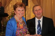 Eamie fortune accepts the Buffers Alley Club Person of the Year Award
